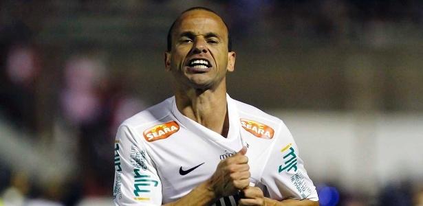 Léo realizará jogo de despedida pelo Santos em jogo de centenário da Vila Belmiro - Divulgação/SantosFC