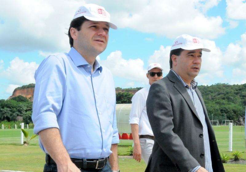 Prefeito de Recife, Geraldo Júlio, visita o CT do Náutico ao lado de Paulo Wanderley
