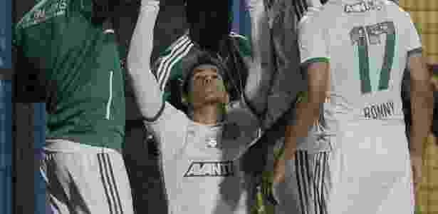 Leandro comemora após marcar nos acréscimos para o Palmeiras sobre o Paysandu - Reinaldo Canato/UOL