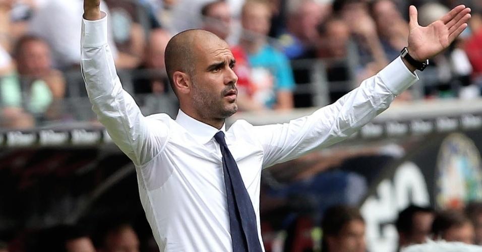 Josep Guardiola comanda o Bayern em duelo contra o Eintracht Frankfurt