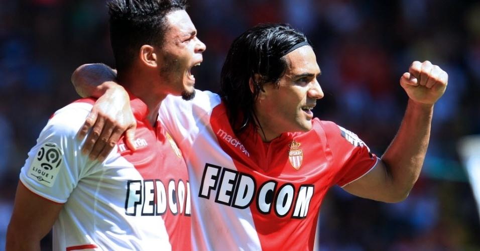 Falcao Garcia (à dir.) celebra gol do Monaco na goleada contra o Montepellier. Uma das contratações mais caras da temporada, Falcao está insatisfeito com as alterações fiscais na França e pretende deixar o Monaco