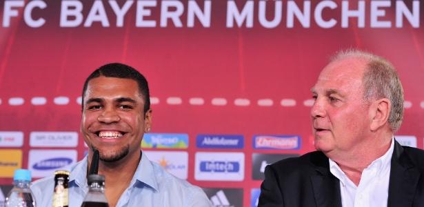 Zagueiro Breno tem contrato com o São Paulo até outubro de 2015 e é esperado para treinos