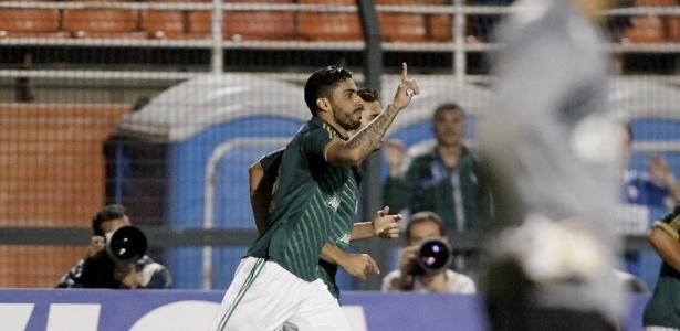 21.08.13 - Vilson comemora gol do Palmeiras contra o Atlético-PR pela Copa do Brasil - Reinaldo Canato/UOL