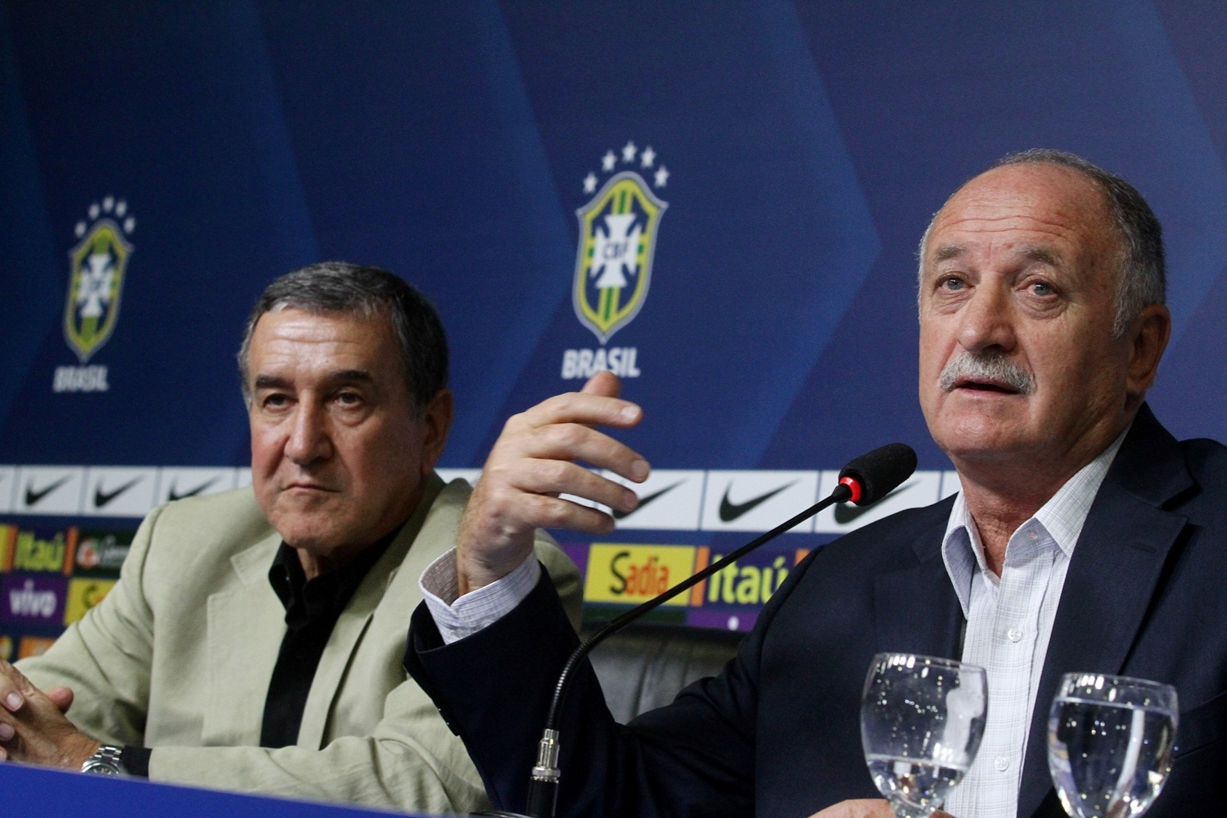 Luiz Felipe Scolari concedeu entrevista coletiva e divulgou lista de convocados para amistosos da seleção contra Austrália e Portugal
