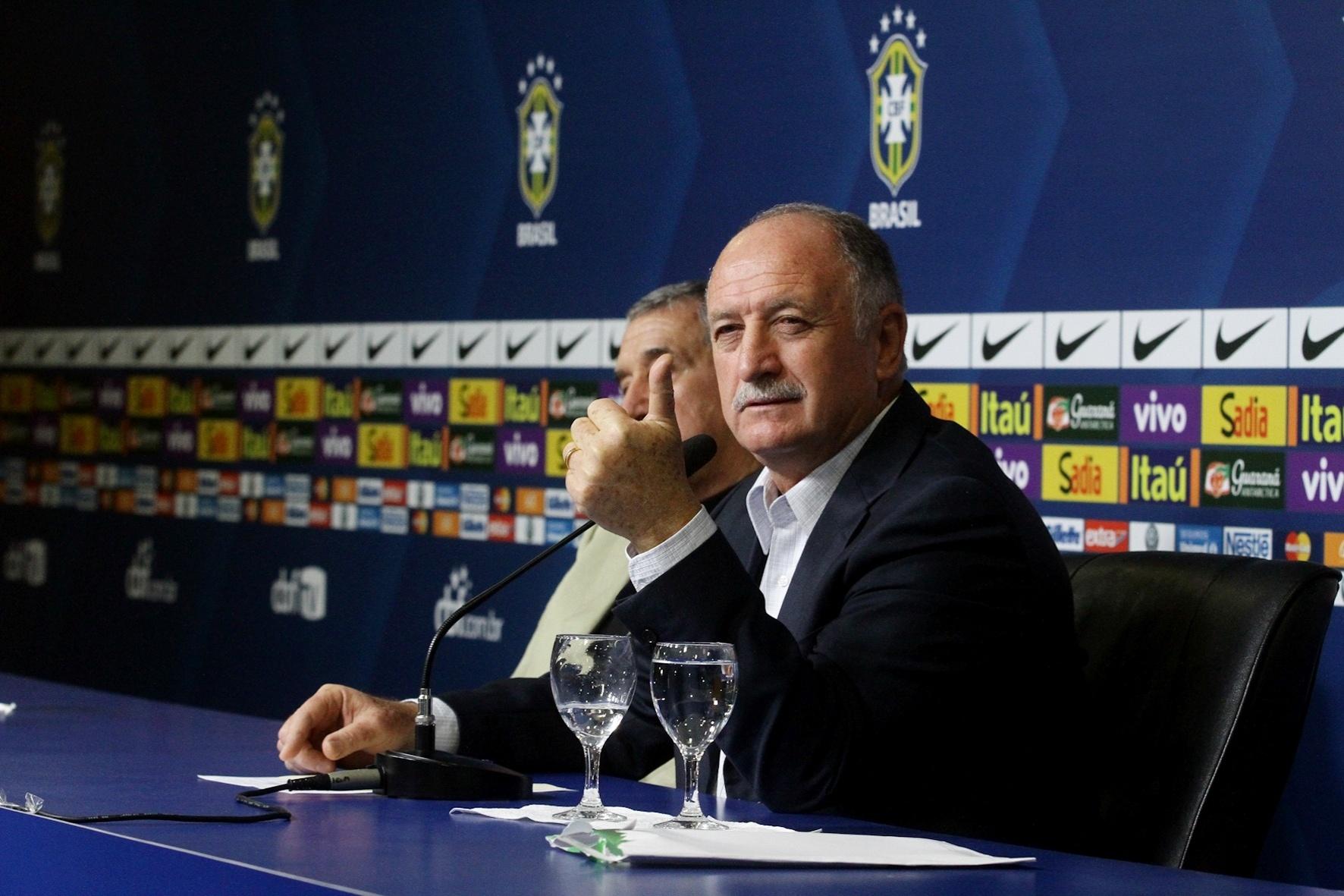 Luiz Felipe Scolari divulga lista de convocados para amistosos contra Austrália e Portugal