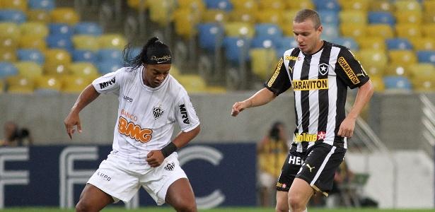 Em 2013, mesmo com Ronaldinho Gaúcho, Atlético foi eliminado pelo Botafogo na Copa do Brasil