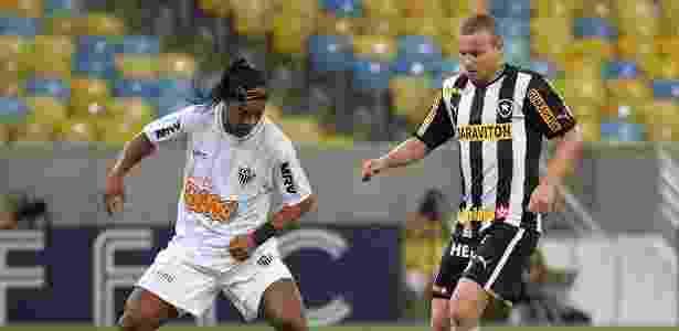 Em 2013, mesmo com Ronaldinho Gaúcho, Atlético foi eliminado pelo Botafogo na Copa do Brasil - Divulgação/Vitor Silva/SSPress