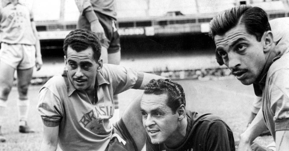 23.ago.2013 - Jogadores da seleção brasileira Zito, Gylmar dos Santos Neves (goleiro) e Formiga, em 1959