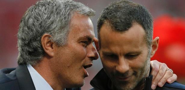 Giggs ao lado de Mourinho: possibilidade de treinar o Nottingham Forest - REUTERS/Phil Noble