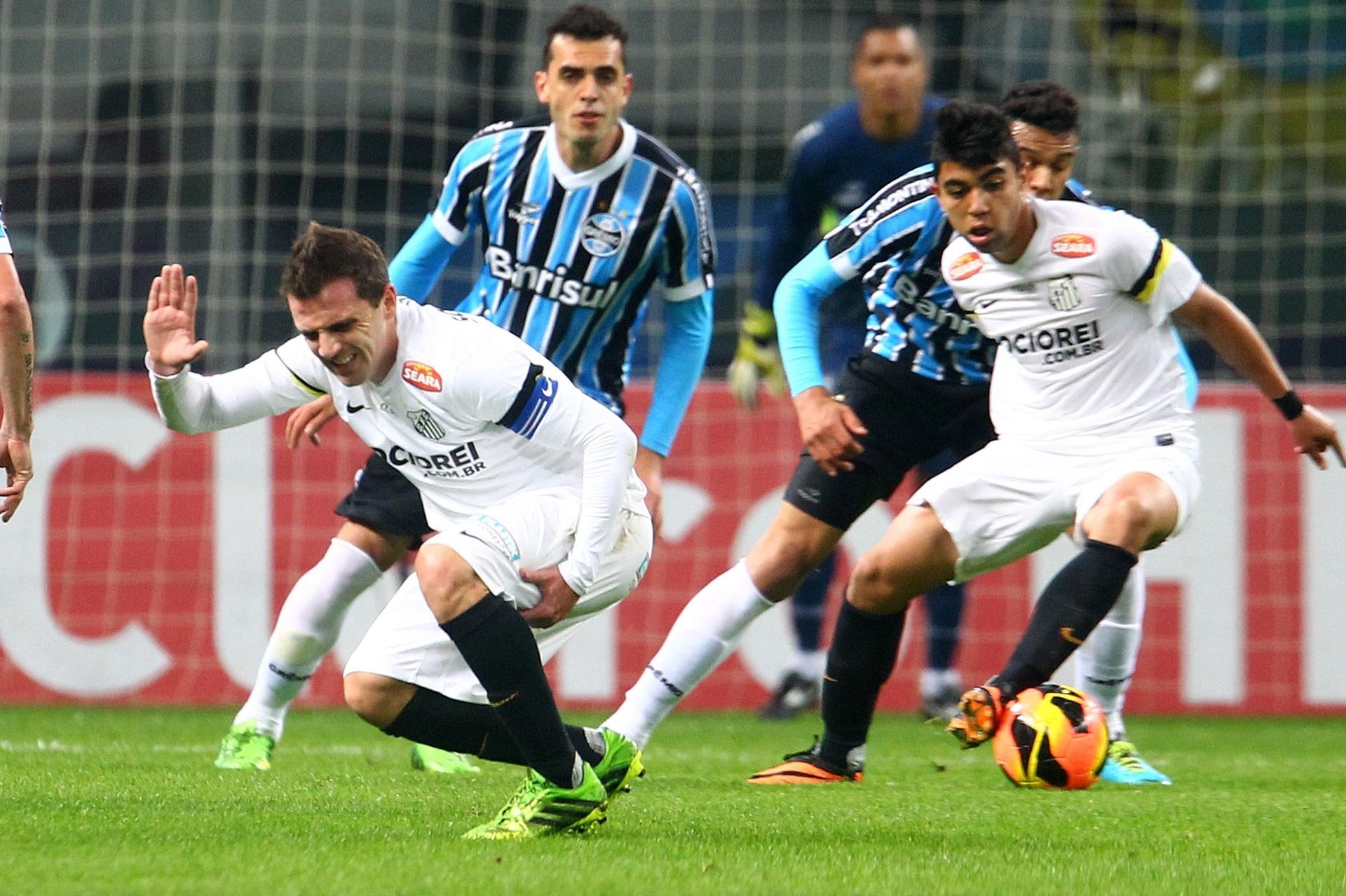 Santos terá prejuízo de mais de R  12 milhões com venda de Montillo -  24 01 2014 - UOL Esporte 6f3ef48e7a117