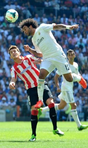 01/09/2013 - Marcelo disputa jogada em partida do Real contra o Bilbao, pelo Espanhol