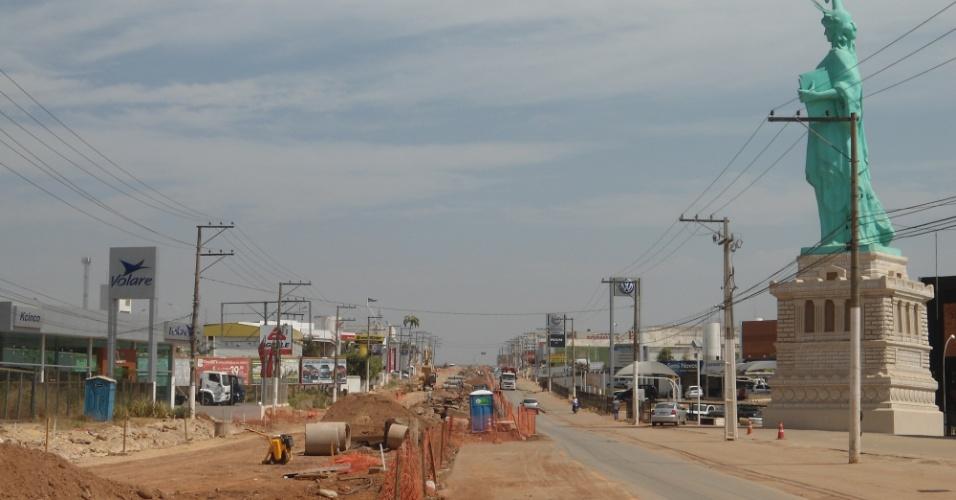 30.ago.2013 - Trecho de obra do VLT de Cuiabá: atuação de cartel pode ter direcionado licitação