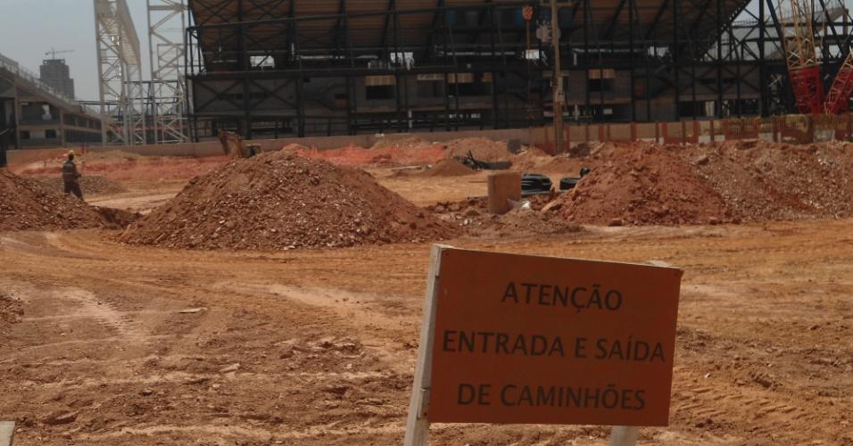 30.ago.2013 - Obra Arena Pantanal em agosto de 2013, com 80% de conclusão em julho: prazo de entrega é dezembro