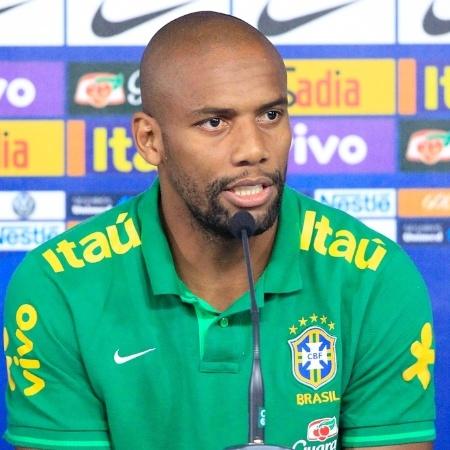 Lateral de 39 anos vai atuar pelo Sona; filho do jogador também foi contratado - Bruno Spada/VIPCOMM