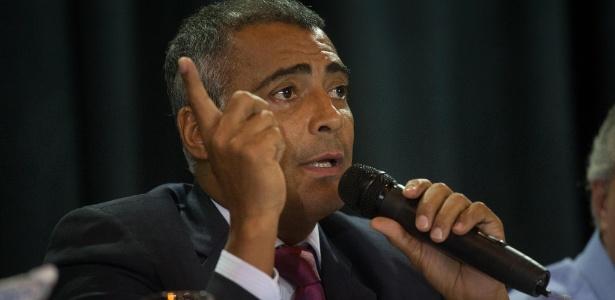 Na condição de deputado, Romário tem sido uma das vozes críticas à organização da Copa no Brasil