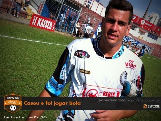 Fernando Lura, meio-campista da Turma do Baffô, que jogou pela equipe no dia seguinte ao seu casamento