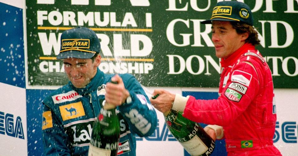 Damon Hill e Ayrton Senna celebram pódio em 1993