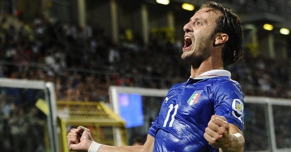06.set.2013 - Alberto Gilardino comemora após marcar o gol da vitória por 1 a 0 da Itália sobre a Bulgária pelas eliminatórias da Copa-14