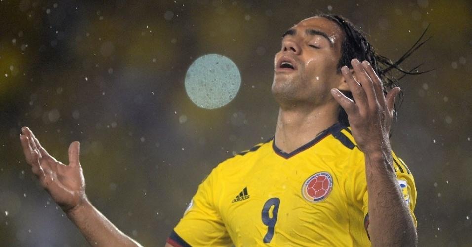 06.set.2013 - Falcao García lamenta chance perdida na partida entre Colômbia e Equador pelas eliminatórias da Copa-2014; colombianos venceram por 1 a 0