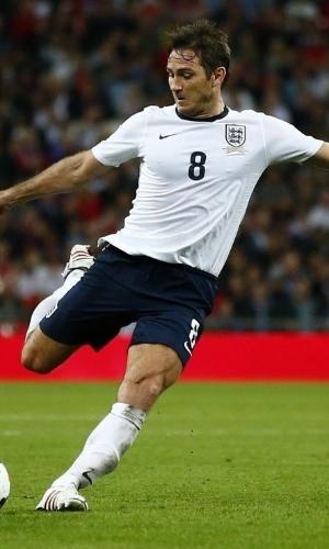 06.set.2013 - Frank Lampard chuta para o gol durante partida entre Inglaterra e Moldávia pelas Eliminatórias da Copa do Mundo