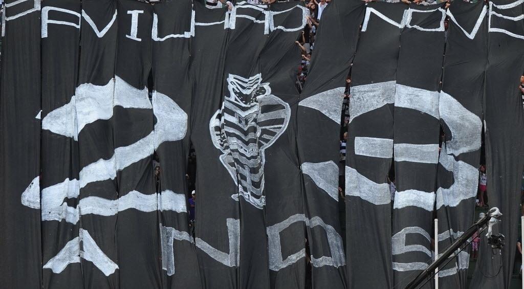 08.set.2013 - Corinthians levou bom público ao Pacaembu no empate por 0 a 0 com o Náutico pela 19ª rodada do Campeonato Brasileiro