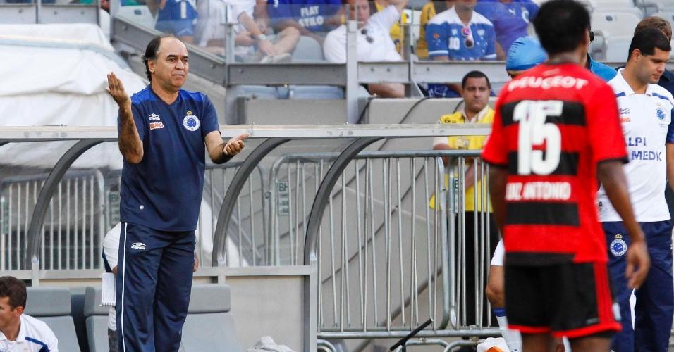 08.set.2013 - Cruzeiro e Flamengo se enfrentaram no Mineirão em jogo válido pela 19ª rodada do Campeonato Brasileiro