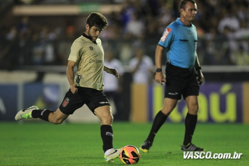 08.set.2013 - Vasco e Atlético-PR fizeram jogo equilibrado na maior parte do tempo neste domingo, em duelo válido pela 19ª rodada do Campeonato Brasileiro