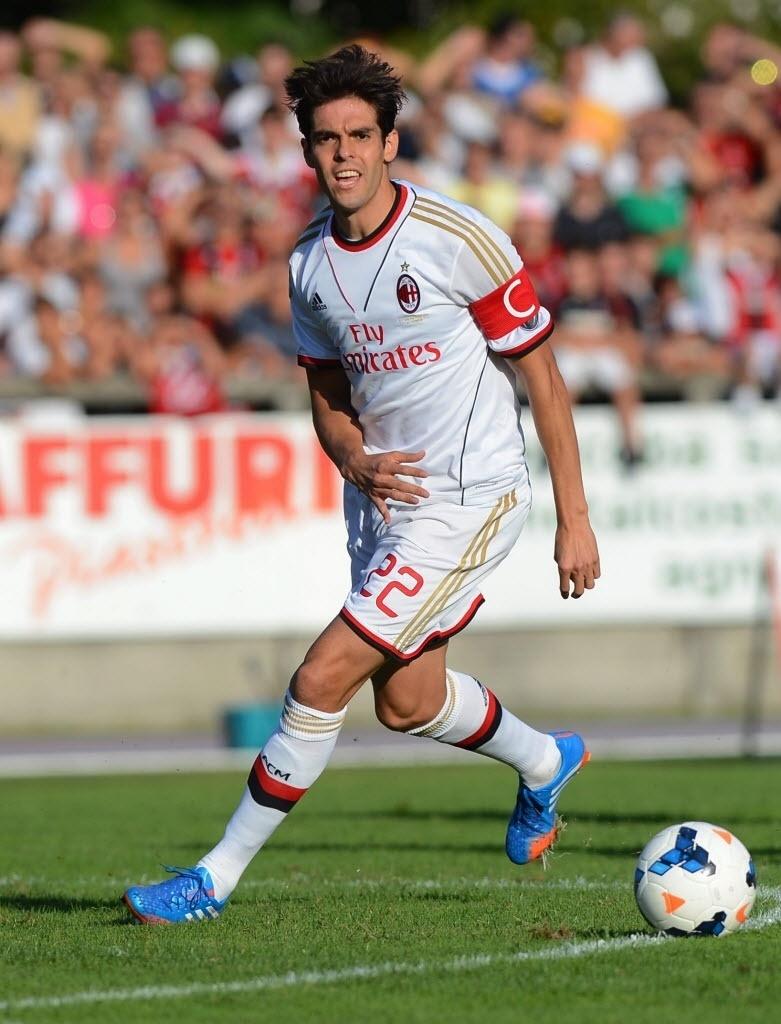 7.set.2013 - Kaká em ação no amistoso do Milan contra o Chiasso-SUI