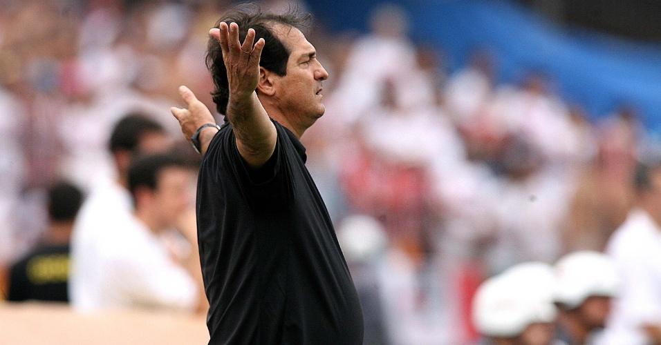 19.11.2006 - Muricy Ramalho dirige o São Paulo contra o Atlético-PR em 2006