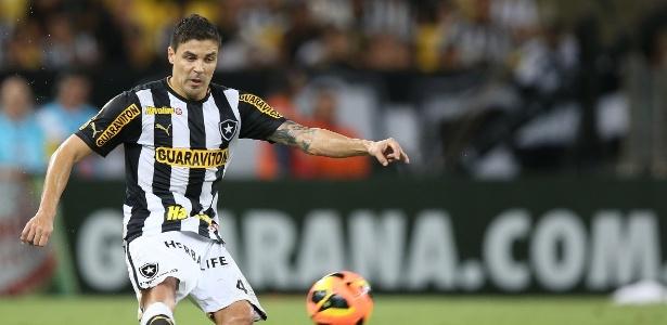 Bolívar recebeu o terceiro cartão amarelo e não poderá enfrentar o Grêmio  neste sábado 4ba75f958d06a