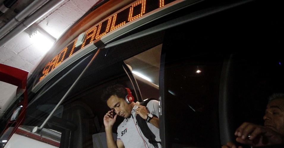 12.set.2013 - Jadson chega ao Morumbi para a partida entre São Paulo e Ponte Preta
