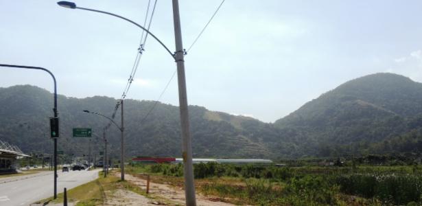 Área fica abandonada na Vila Recreio 2. Denúncia aponta que 10% das desapropriações foram úteis