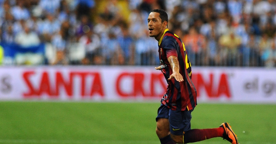 25.08.2013 - Adriano, lateral do Barcelona