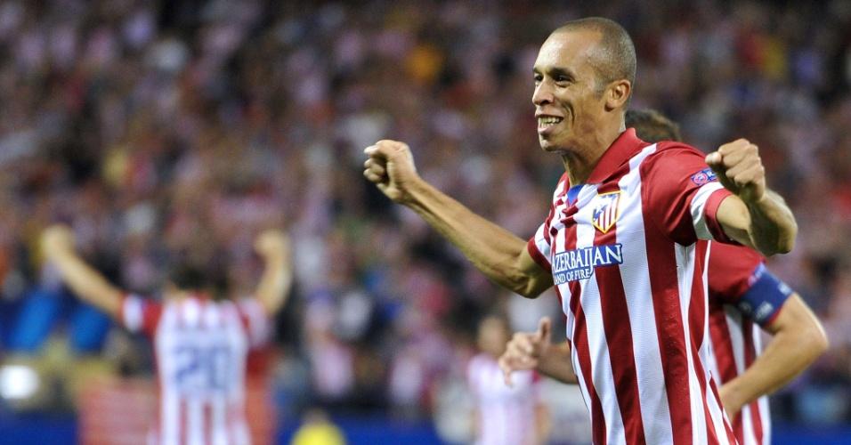 18.set.2013 - Miranda comemora gol do Atletico de Madri sobre o Zenit em jogo pela fase de grupos da Liga dos Campeões