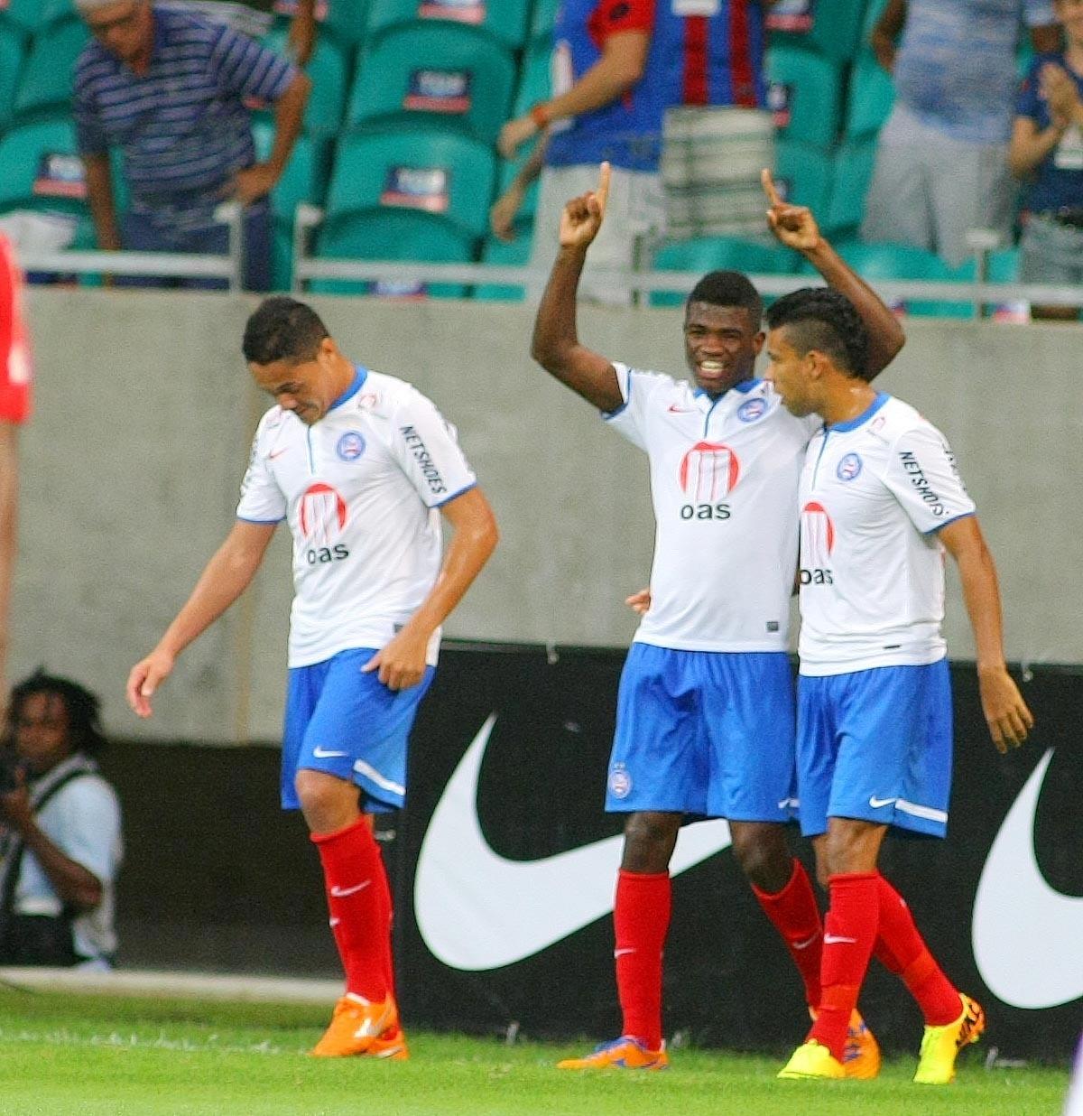 19.set.2013 - Feijão comemora o primeiro gol do Bahia sobre o Internacional, em jogo válido pela 22ª rodada do Brasileirão
