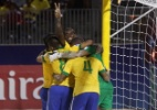 Brasil goleia Irã na estreia do Mundial de futebol de areia e lidera grupo - GREGORY BOISSY / AFP PHOTO