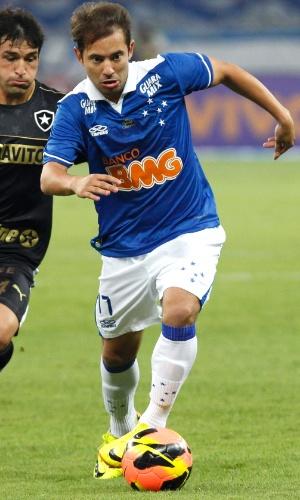 Everton Ribeiro durante a vitória do Cruzeiro sobre o Botafogo, por 3 a 0, no Mineirão, pelo Brasileirão (18/9/2013)