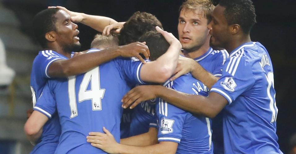 21.set.2013 - Jogadores do Chelsea comemoram gol de Oscar