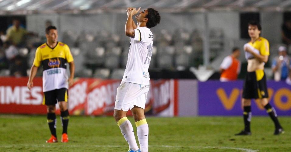 22.set.2013 - Willian José comemora seu gol na partida entre Santos e Criciúma, na Vila Bemiro