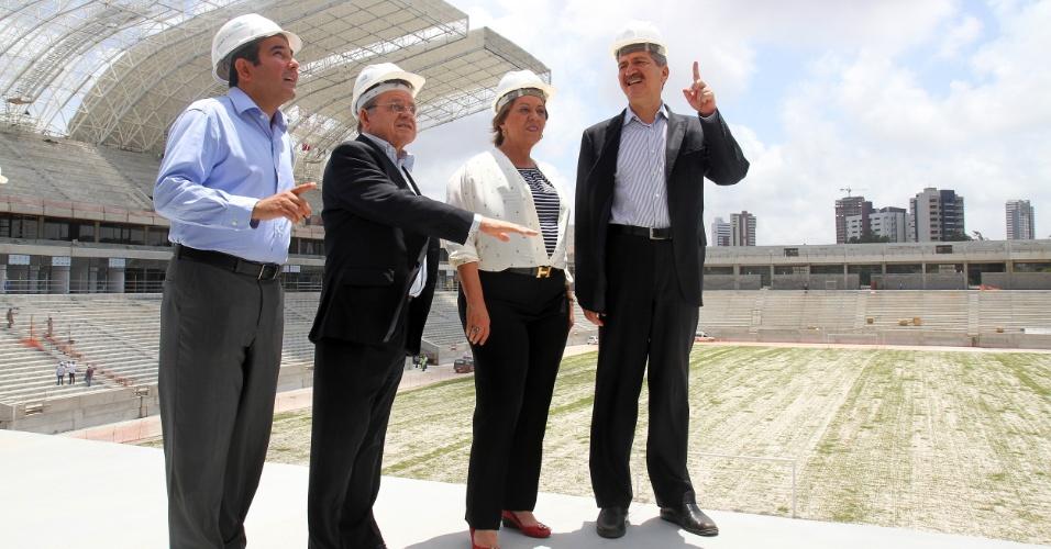 06/09/2013 - Ministro Aldo Rebelo visita as obras da Arena das Dunas, ao lado da governadora do Rio Grande do Norte, Rosalba Ciarlini