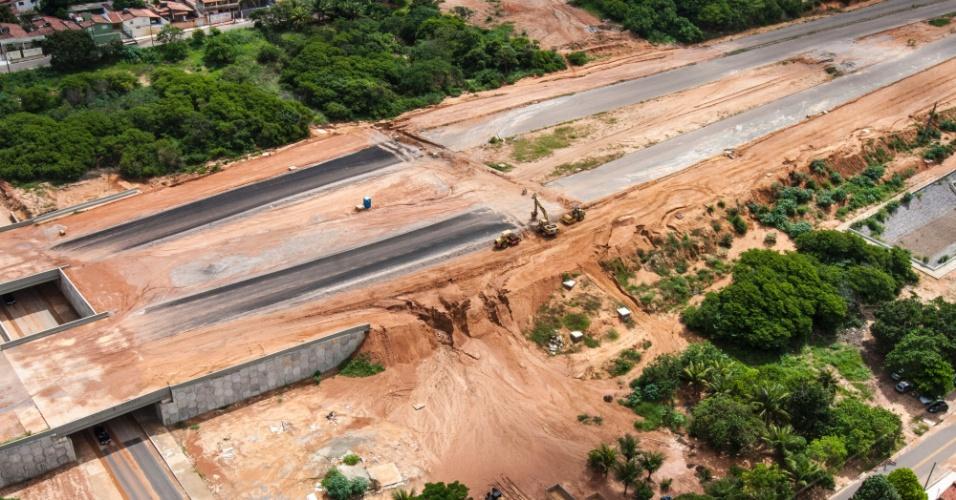 12/jun/2013 - Obra da Copa: Corredor Estrutural Oeste de Manaus, na altura da Avenida Prudente de Morais