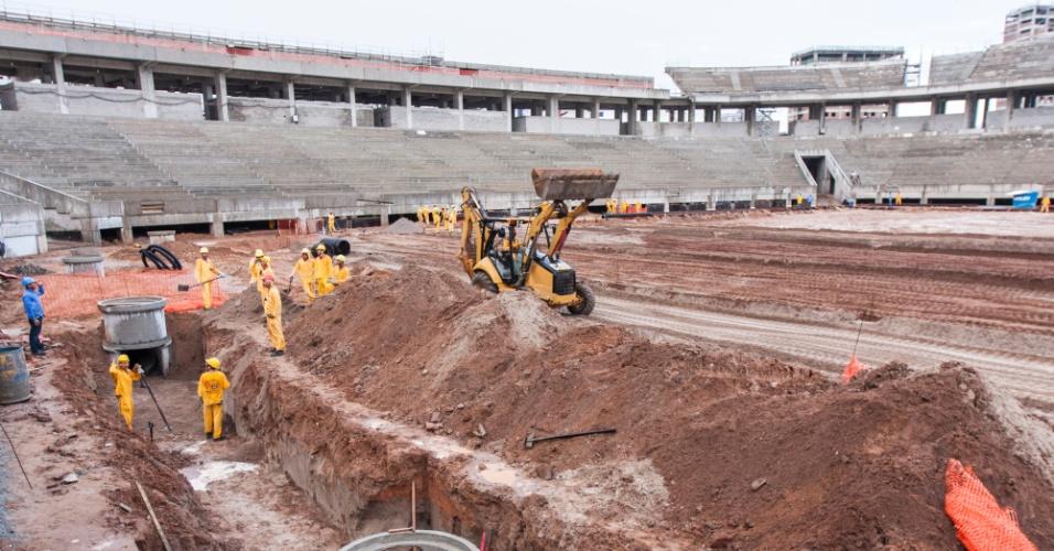 12/jun/2013 - Obras da Arena das Dunas, em Natal, atingem 78% do total, segundo o governo