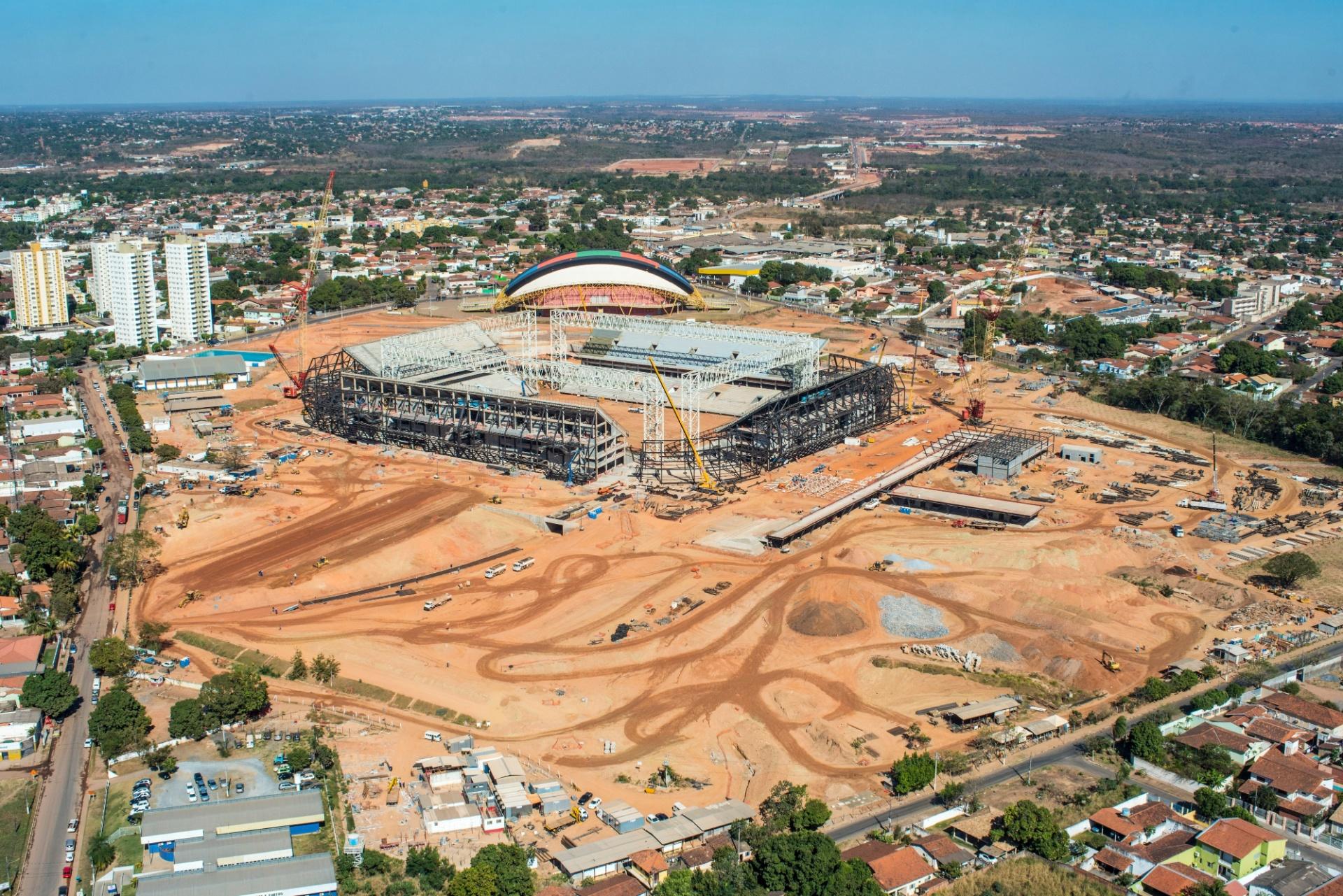 15.ago.2013 - Obras da Arena Pantanal chegam a 80% de conclusão, segundo governo do Mato Grosso