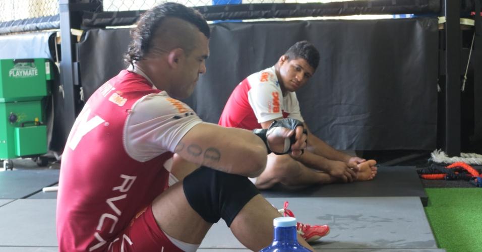 Vitor e Gilbert Durinho treinando nesta sexta na Blackzilians, em Boca Raton (EUA)