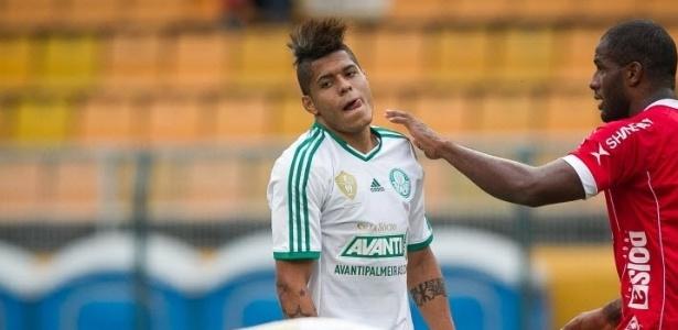 Destaque da campanha na Série B, Leandro precisa renovar para ficar em 2014 - Rodrigo Capote/UOL