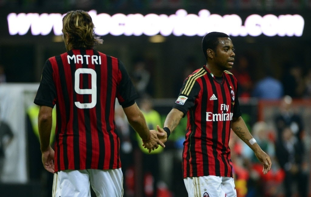 Matri e Robinho em ação na partida contra a Sampdoria