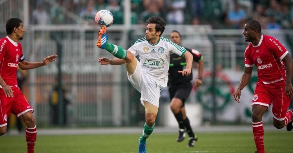 Valdivia foi a principal figura do meio-campo alviverde no jogo contra o América-RN, no Pacaembu