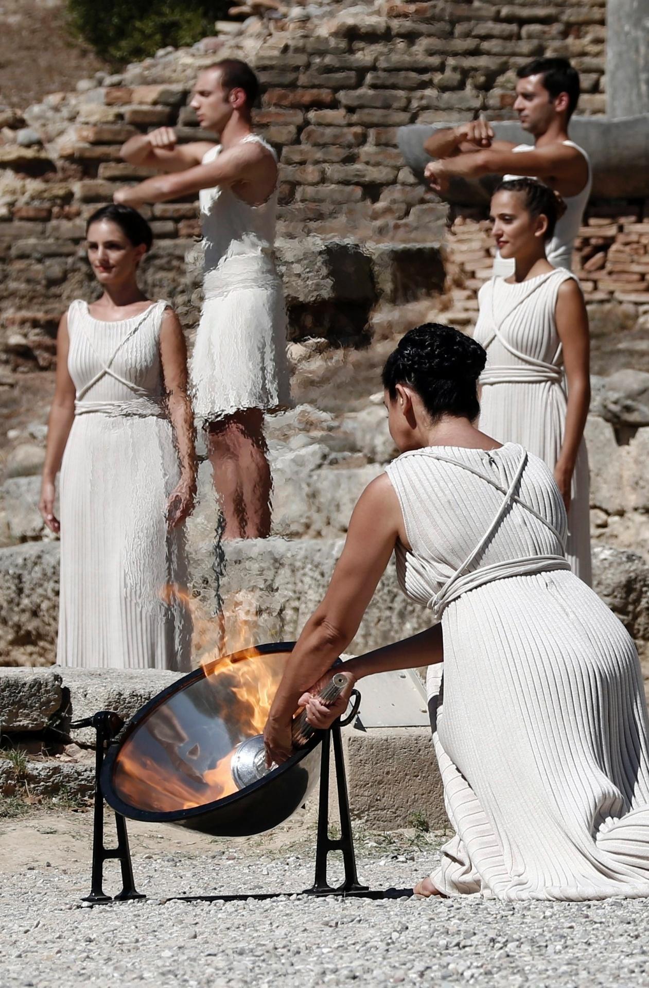 29.set.2013 - Cerimônia da chama olímpica dos Jogos de Inverno é realizada na Grécia
