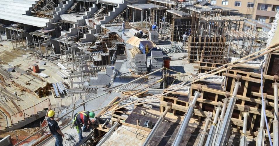 07.jun.13 - Obras passam 65% de conclusão, segundo empresa responsável por reforma