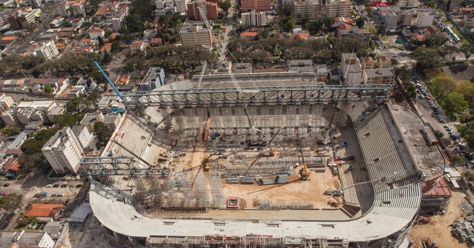 20.ago.2013 - Vista aérea da Arena da Baixada em agosto